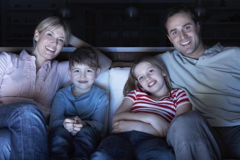 Лучшие новогодние фильмы для взрослых и детей