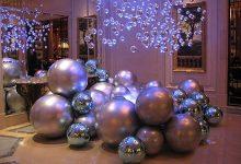 Идеи декора дома елочными шарами на Новый 2020 год