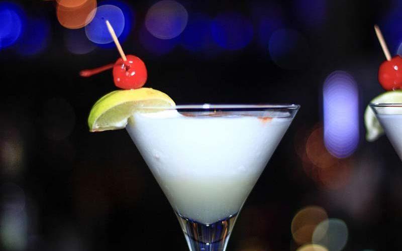 Алкогольные коктейли на Новый 2019 год: интересные рецепты