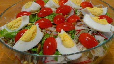 Рецепты вкусных салатов без майонеза на Новогодний стол 2020